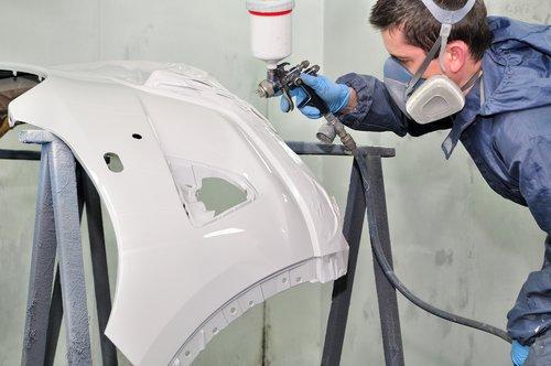 Stoßstange lackieren und reparieren